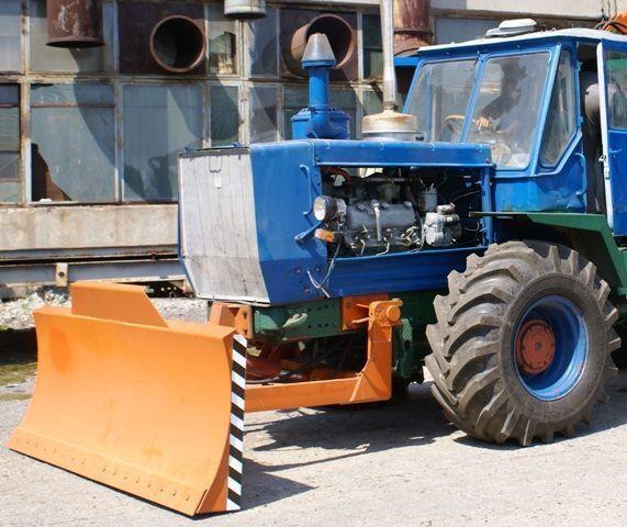 отвал ХТЗ Бульдозерное оборудование (отвал, лопата) на тракторах ХТЗ 150К