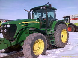 трактор колесный JOHN DEERE 7830