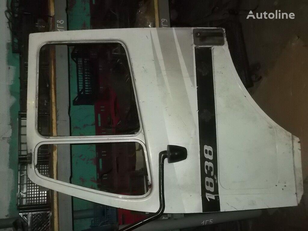 дверь  передняя LH Mercedes Benz для грузовика