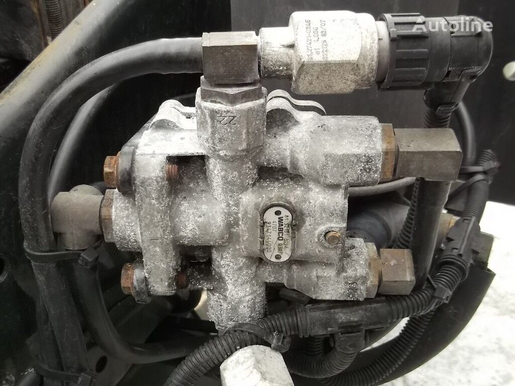клапан  4-х контурный предохранительный клапан MAN для грузовика