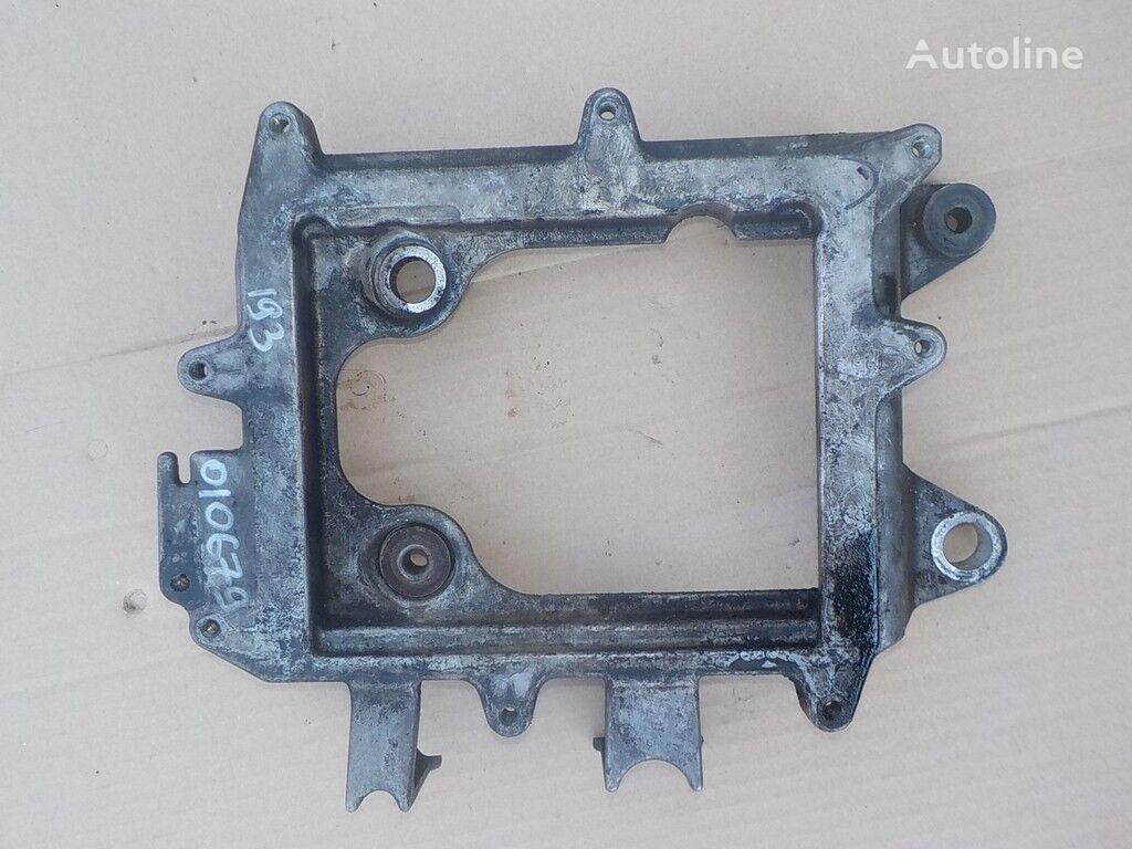 крепежные элементы  MAN Кронштейн (блок управления двигателем) для грузовика