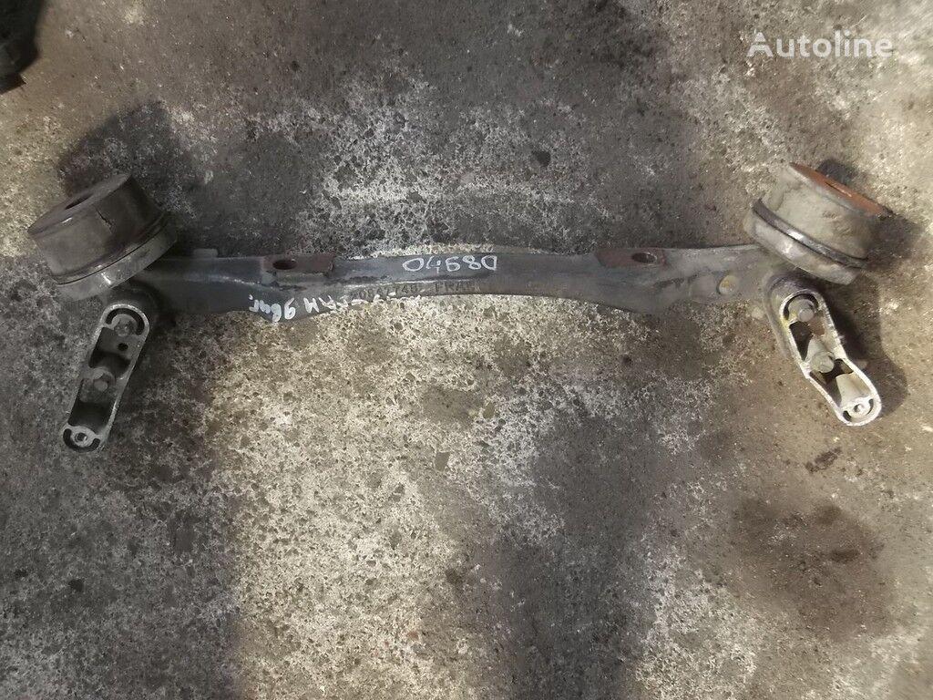 крепежные элементы  Volvo Кронштейн двигателя передний для грузовика VOLVO