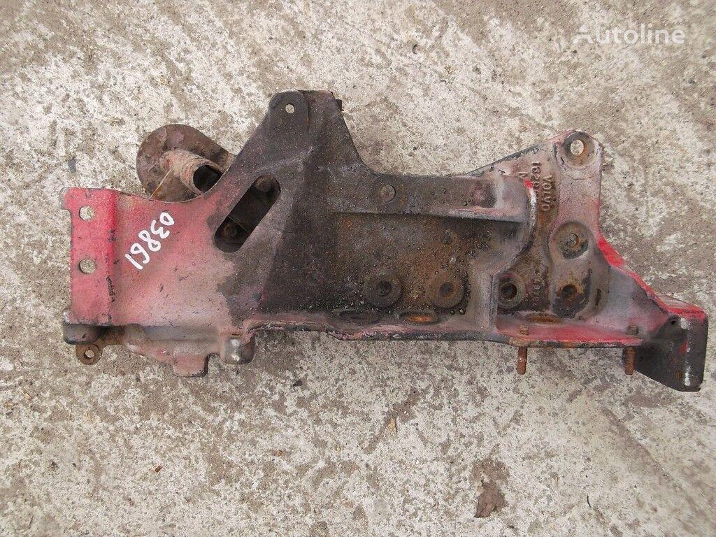 крепежные элементы  Кронштейн переднего бампера для грузовика VOLVO