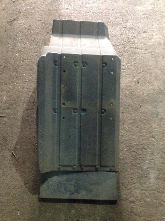 крыло  переднее задняя левая часть (некондиция) для грузовика