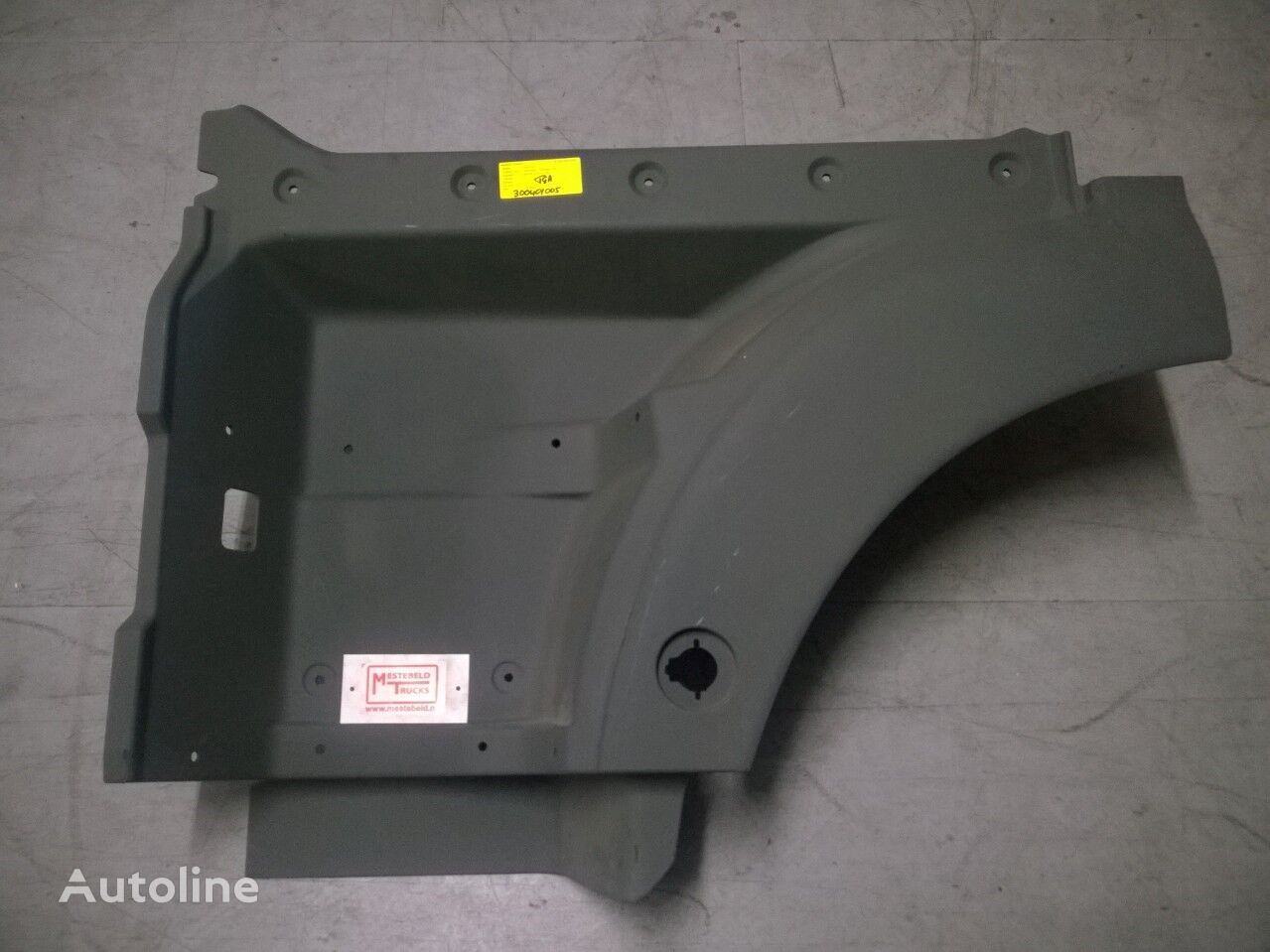 новая подножка для тягача MAN Instapbak TGA