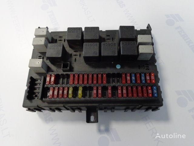 предохранительная коробка  Fuse relay  protection box 1452112 для тягача DAF 105XF