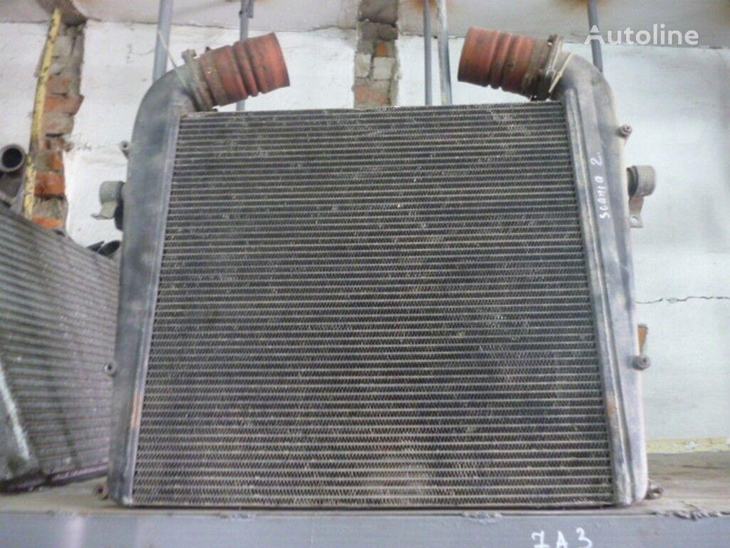 радиатор охлаждения двигателя  Интеркулер (672x650x52) Scania для грузовика