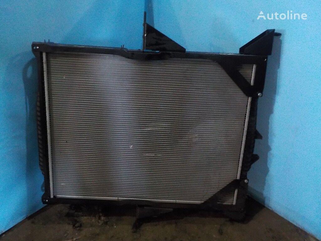 радиатор охлаждения двигателя  NISSENS для грузовика VOLVO