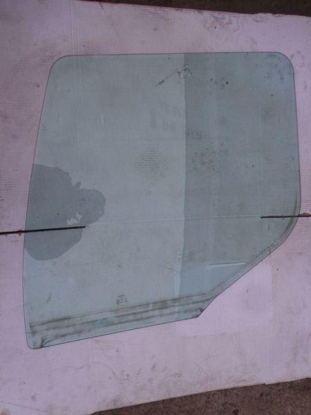 стекло  боковое для тягача RENAULT Premium