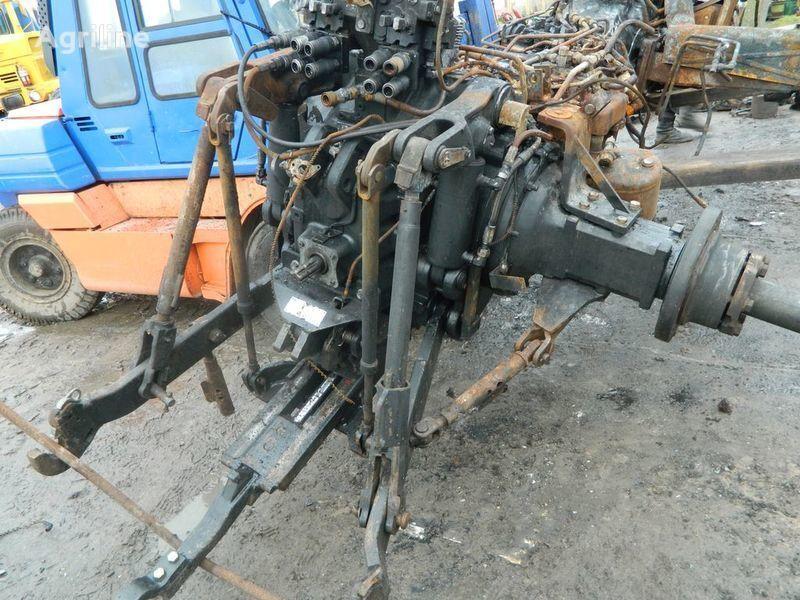 запчасти  б/у запчасти / used spare parts для трактора NEW HOLLAND T7030