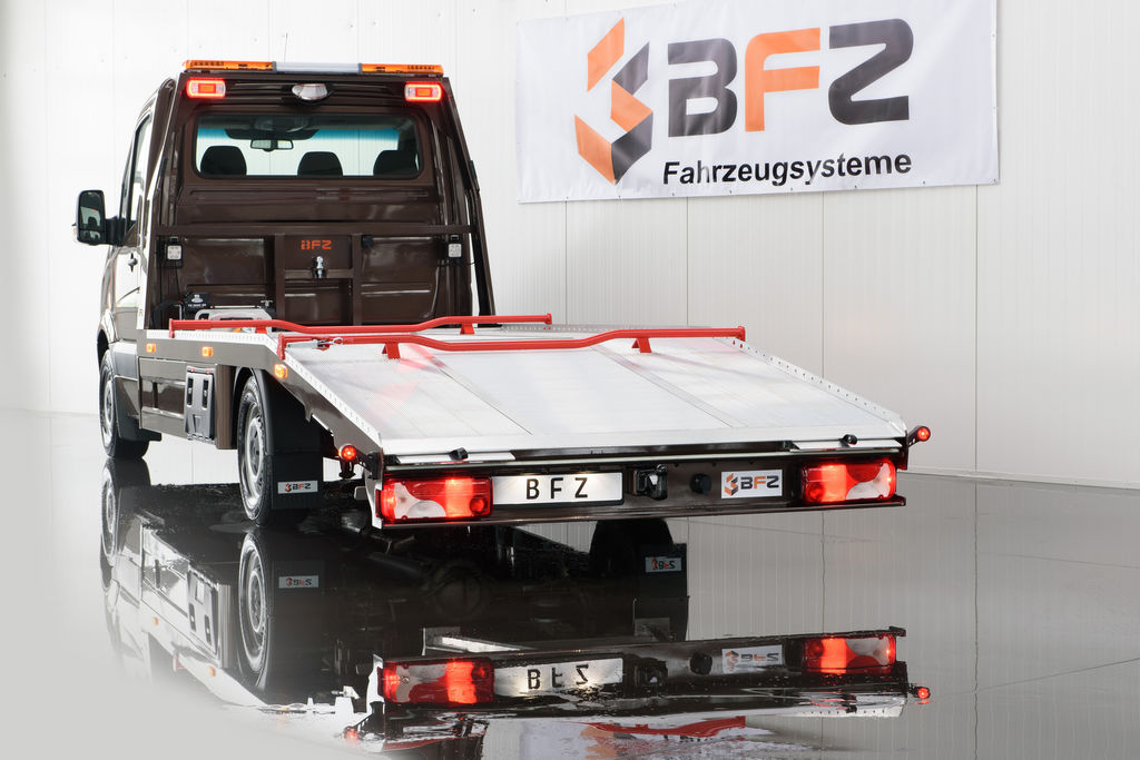 новый эвакуатор MERCEDES-BENZ Autotranspotrer SPRINTER 319 NAVI XENON LUFTFEDERUNG