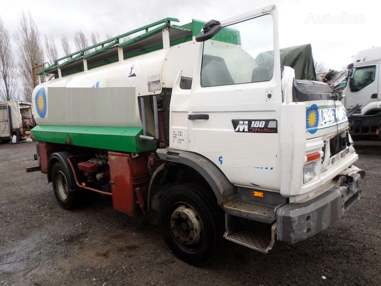 грузовик автоцистерна RENAULT M 150 после аварии