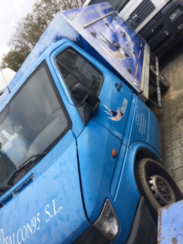 грузовик развозчик мороженого MERCEDES-BENZ 310 D