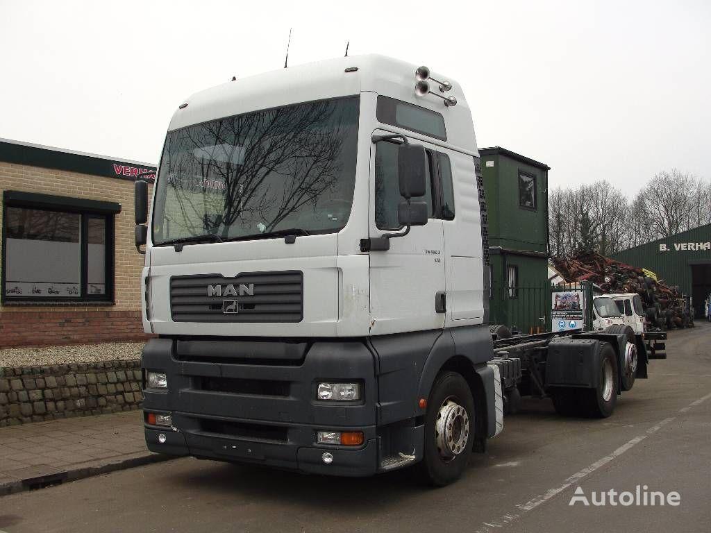 грузовик шасси MAN 26.460