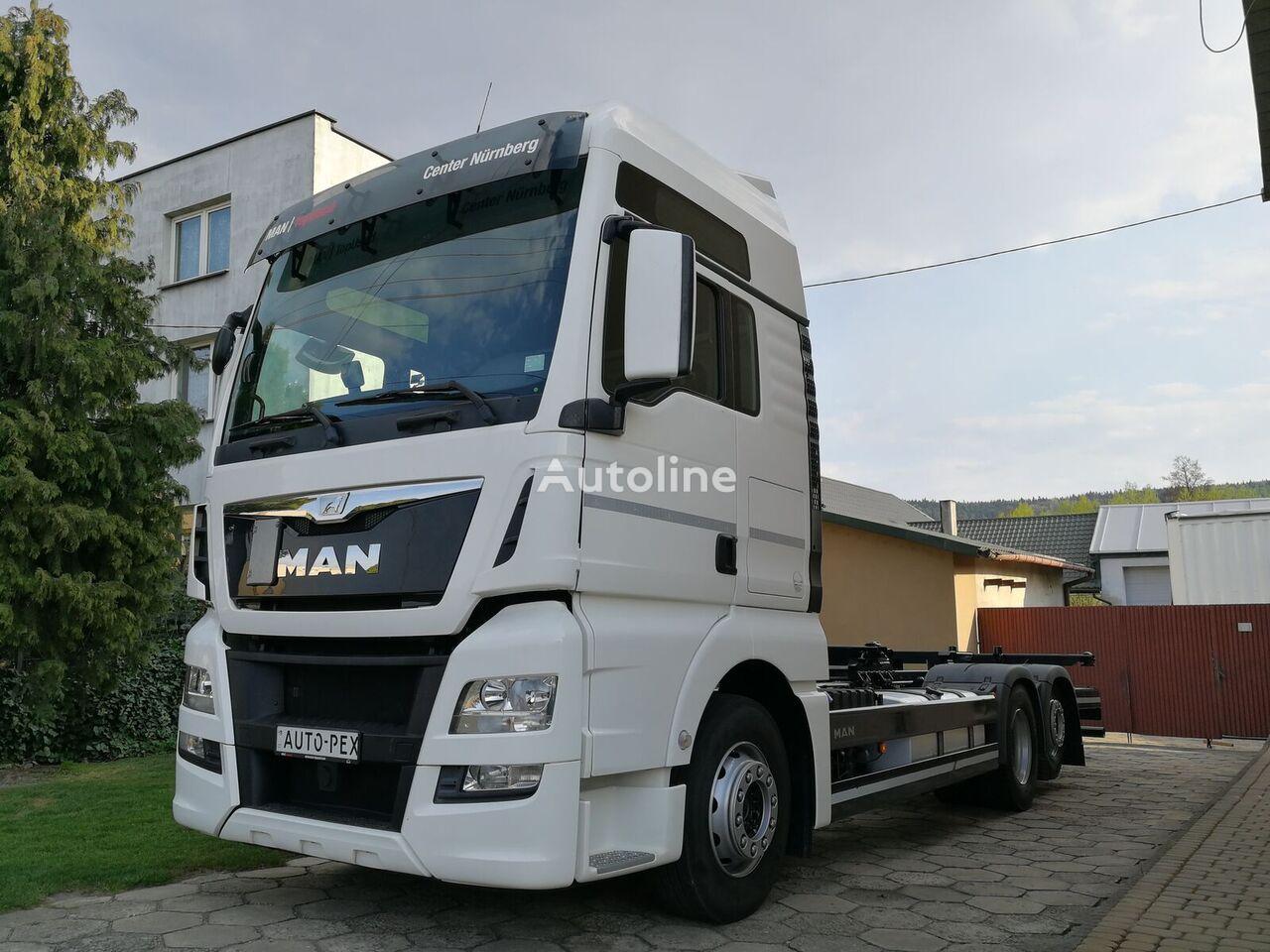 грузовик шасси MAN MAN TGX BDF 26.440 XXL 6x2 EURO 6  / RETARDER / 2x TANK / MAXIMA