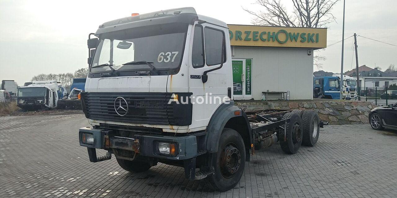 грузовик шасси MERCEDES-BENZ SK 2527