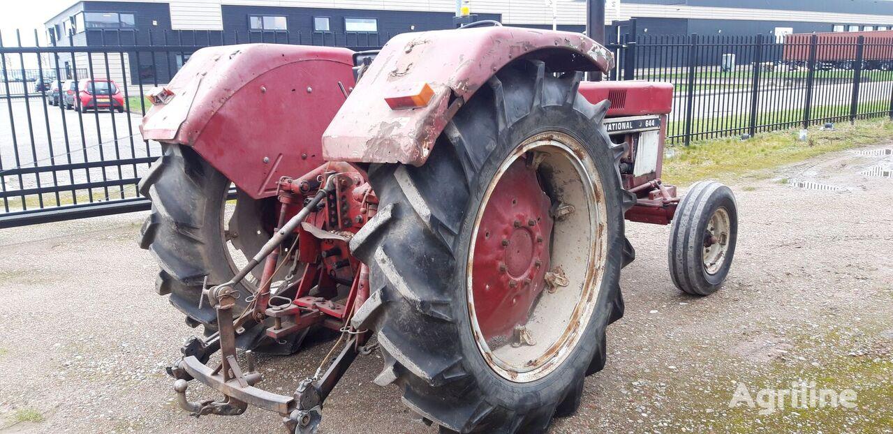 трактор колесный CORMICK 644