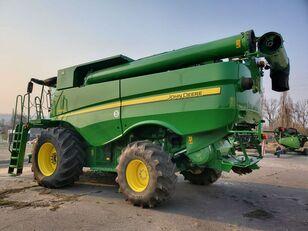 зерноуборочный комбайн JOHN DEERE S660