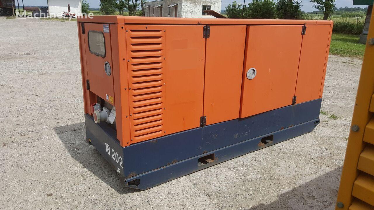 генератор Atlas Copco QAS 100