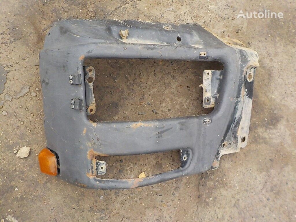 бампер IVECO Бампер (левая часть) для грузовика IVECO