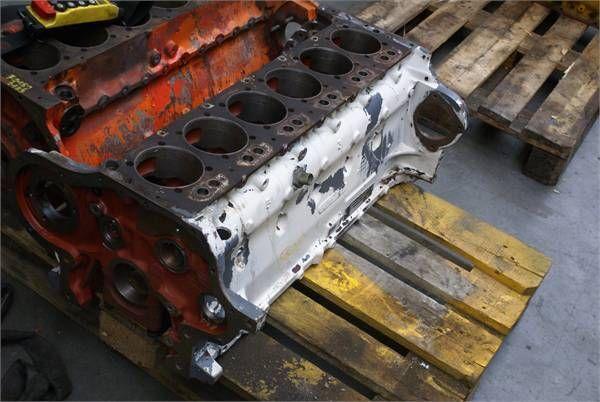 блок цилиндров DEUTZ BF6 L913CBLOCK для фронтального погрузчика DEUTZ BF6 L913CBLOCK