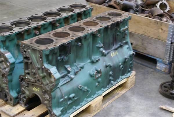 блок цилиндров VOLVO D 12 C для другой спецтехники