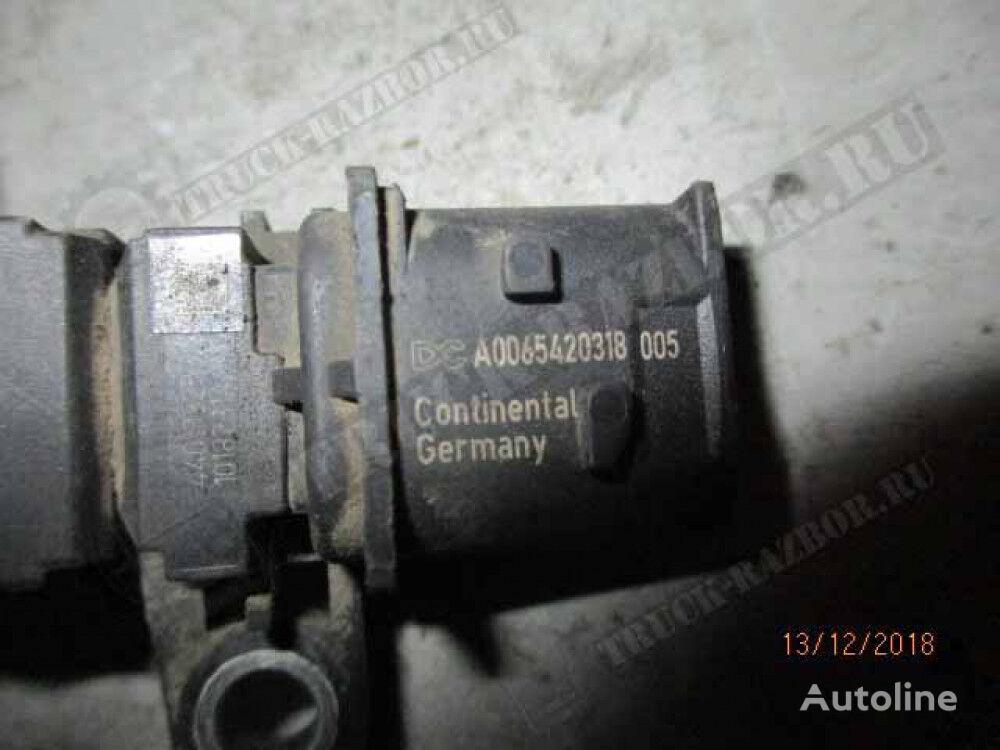 датчик давления воздуха (0065420318) для тягача MERCEDES-BENZ