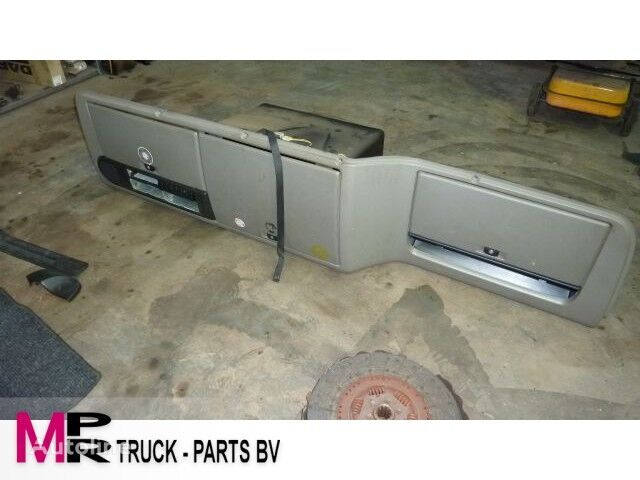 другая запчасть кабины DAF CF cabinekast для грузовика