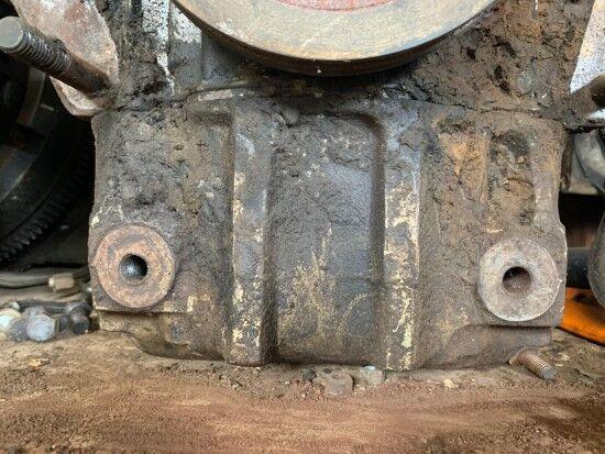 головка блока цилиндров PERKINS 212 (PIEZAS / DESGUACE) для грузовика по запчастям