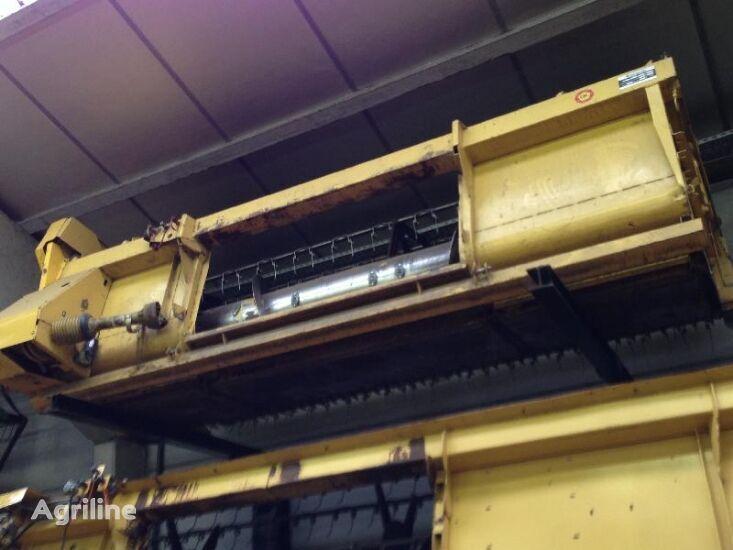 измельчитель NEW HOLLAND 12 voet, 3m66 для зерноуборочного комбайна NEW HOLLAND tx62