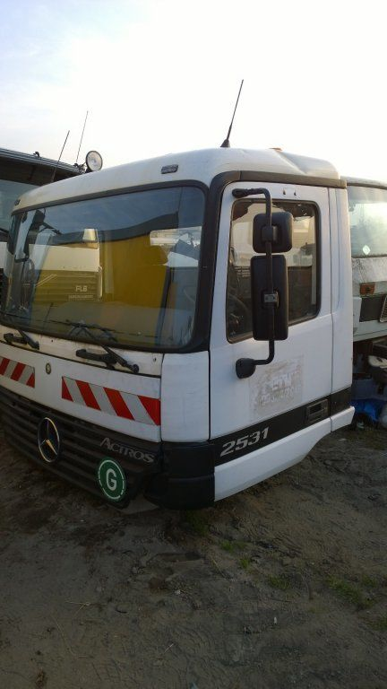 кабина MERCEDES-BENZ для грузовика MERCEDES-BENZ Actros Budowlana dzienna 11500 zl