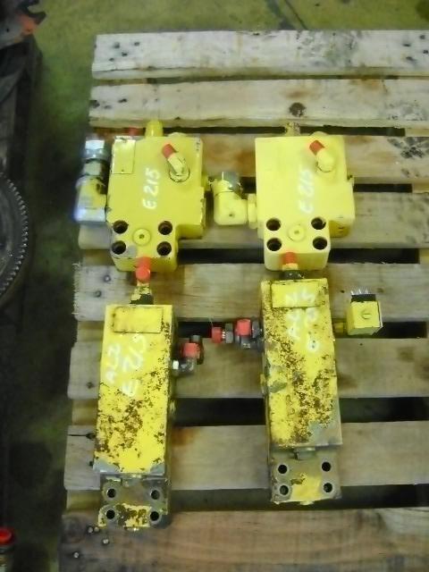 клапан NEW HOLLAND Block Valve для экскаватора NEW HOLLAND E 215