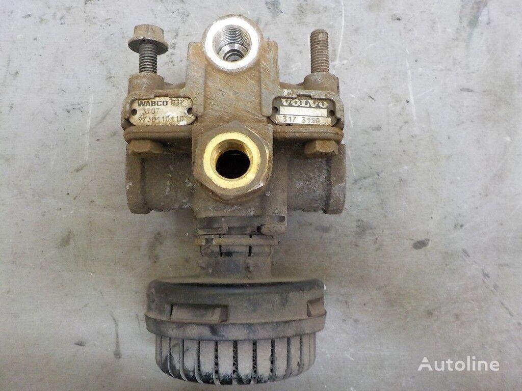 клапан ускорительный Volvo для грузовика