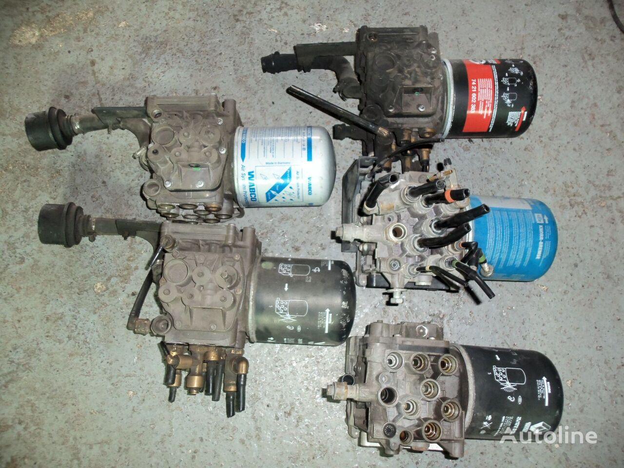 кран RENAULT , air dryer APM, 5010457873, E для тягача RENAULT Premium DXI, Magnum DXI, Kerax DXI