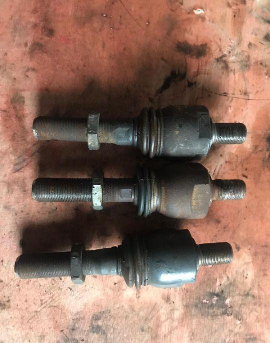 крепежные элементы Śruby для трактора