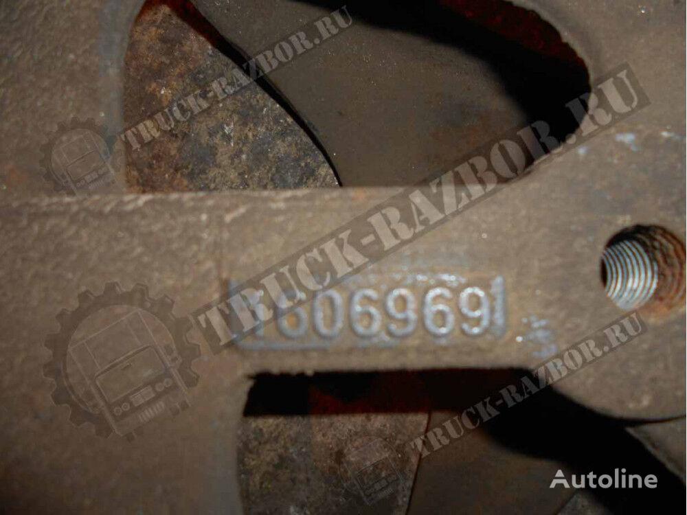 крепежные элементы кронштейн крепления передней рессоры L DAF для тягача
