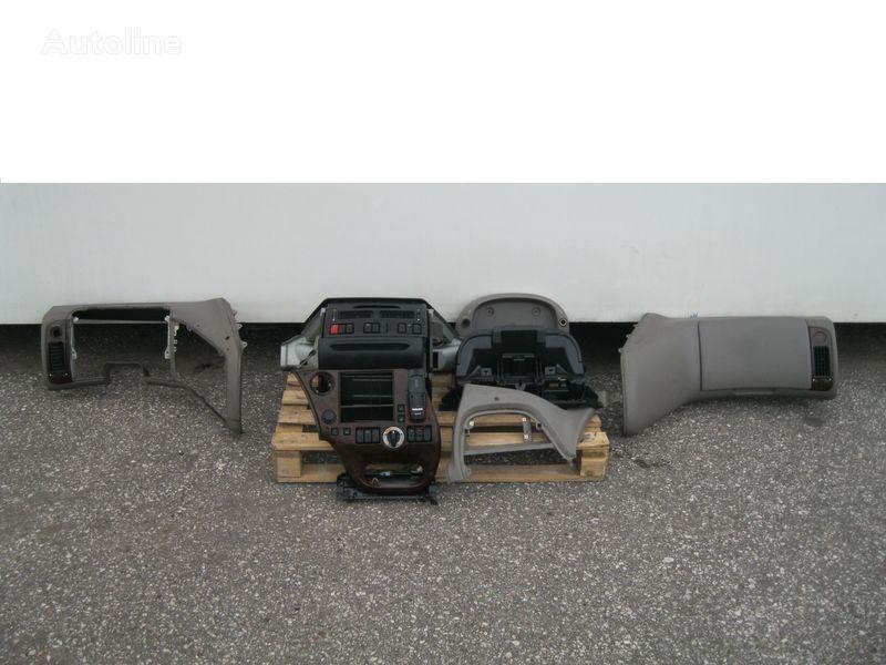 облицовка DAF WYPOSAŻENIE WNĘTRZA KABINY SSC для тягача DAF XF 105