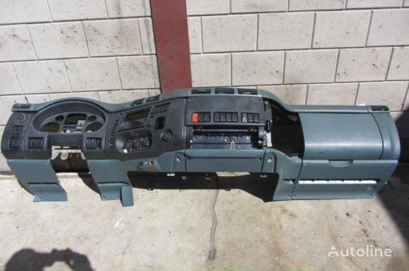 панель приборов DAF интерьер салона, торпеда для грузовика DAF CF - 65\75\85 евро 3