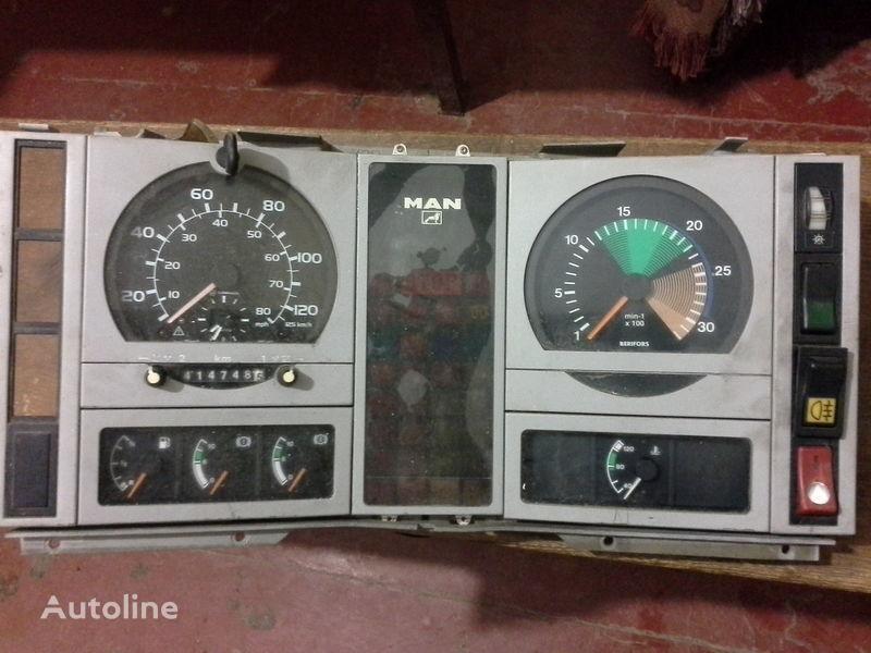 панель приборов MAN для грузовика MAN  L2000