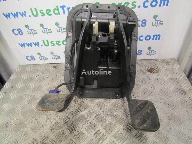 педаль тормоза RENAULT PEDAL BOX INC BRAKE VALVE + CLUTCH CYLINDER для грузовика RENAULT MIDLUM DCI