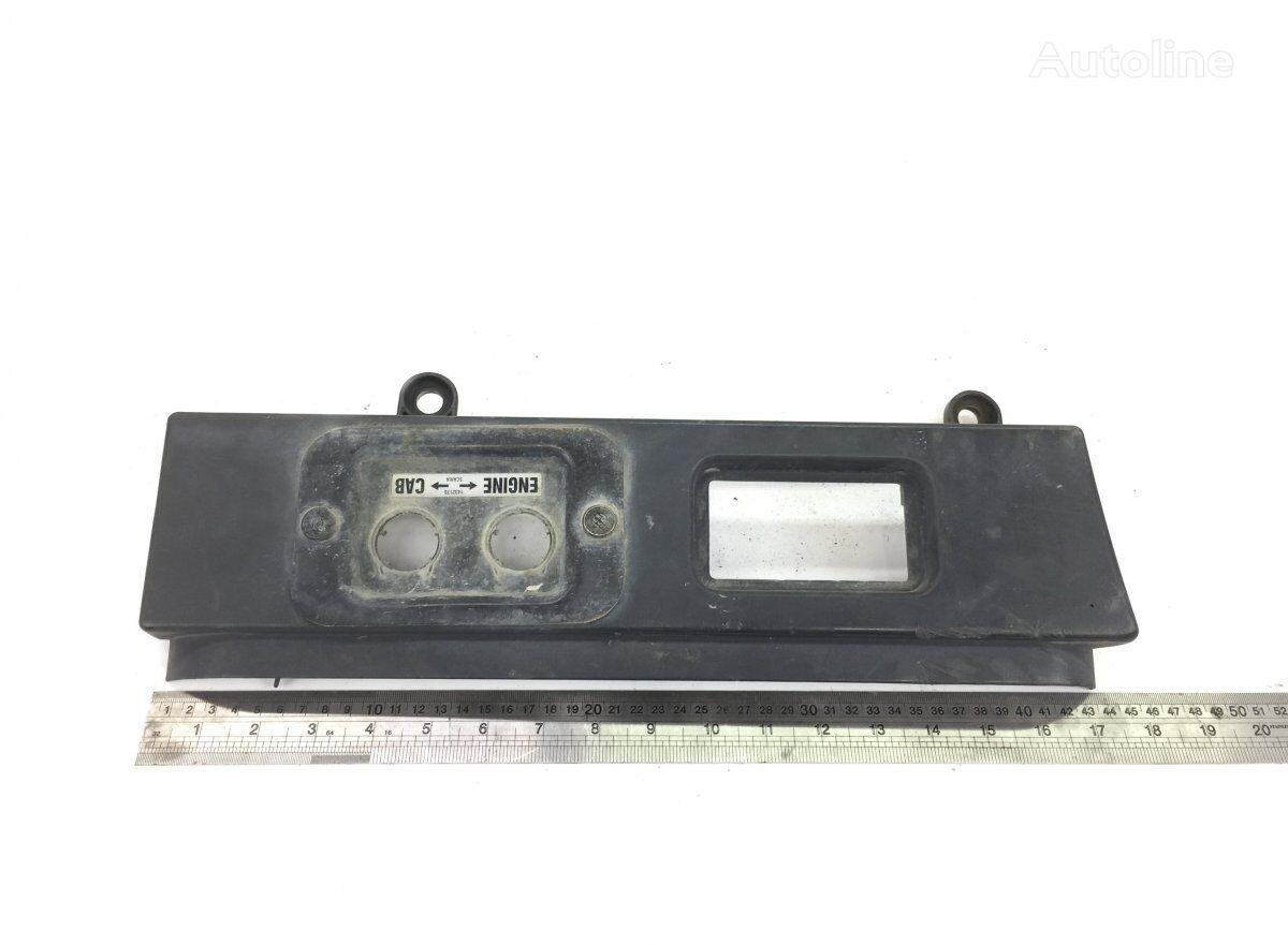подножка SCANIA 4-series 94 (01.95-12.04) (1354594) для тягача SCANIA 4-series 94/114/124/144/164 (1995-2004)