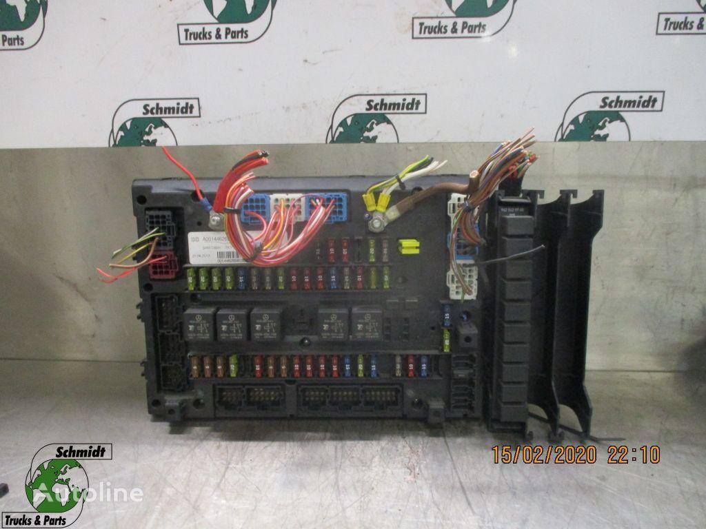 предохранительная коробка (A 001 446 26 58) для грузовика MERCEDES-BENZ ACTROS