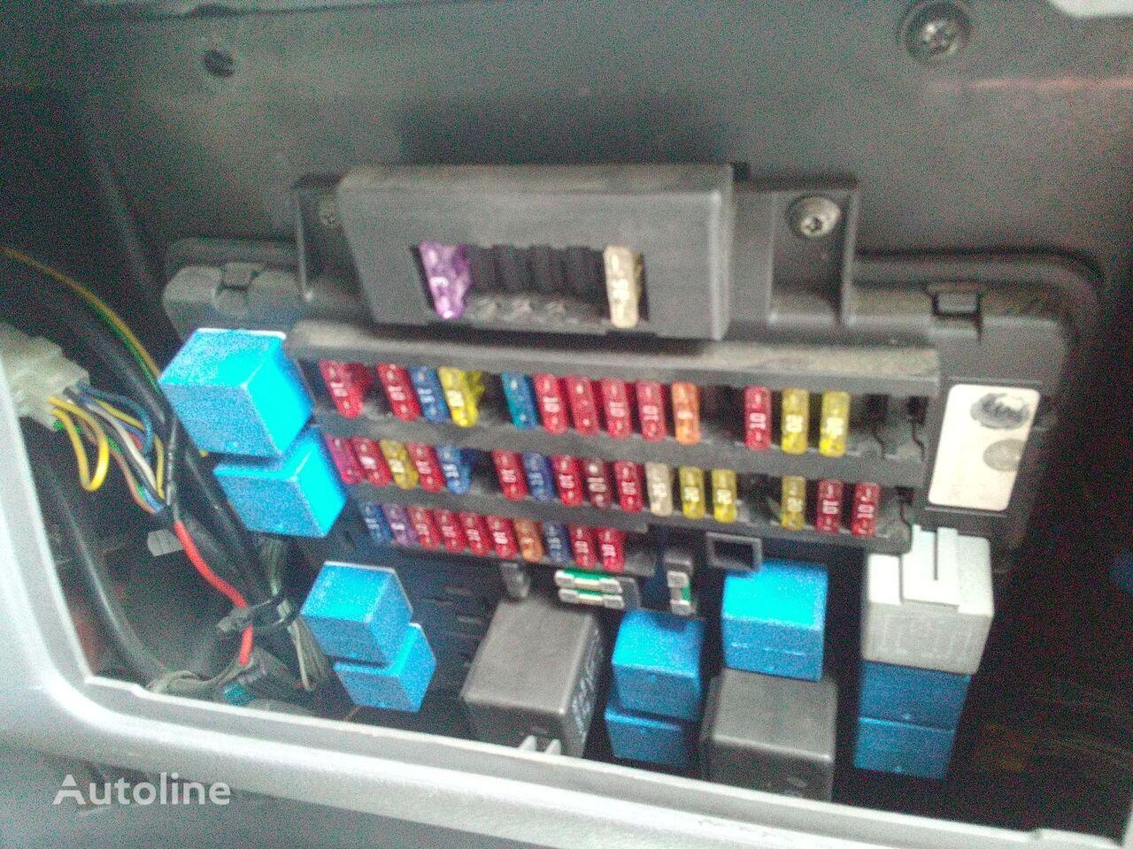 предохранительная коробка RENAULT RVI для грузовика RENAULT midlum