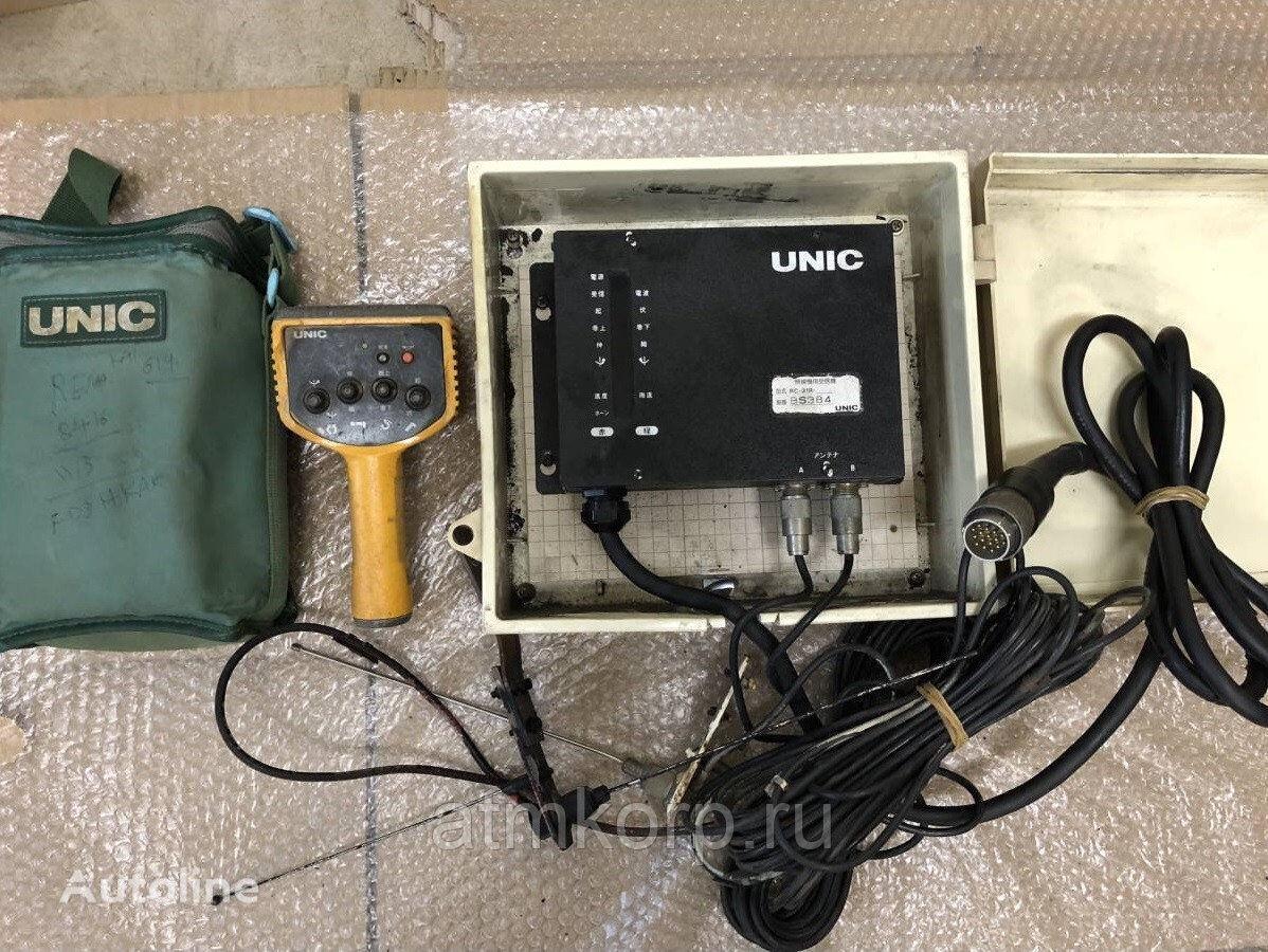 пульт управления подвеской UNIC Радио пульт для КМУ с приемником б\у Комплект приемопередатчика для крана-манипулятора