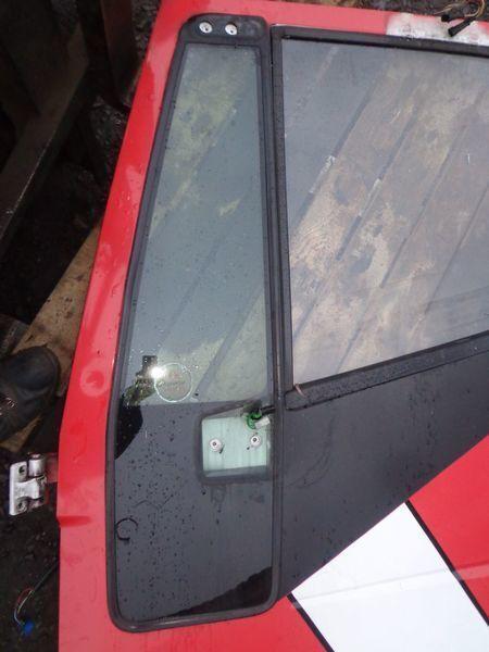 стекло IVECO неподъемное для грузовика IVECO Stralis