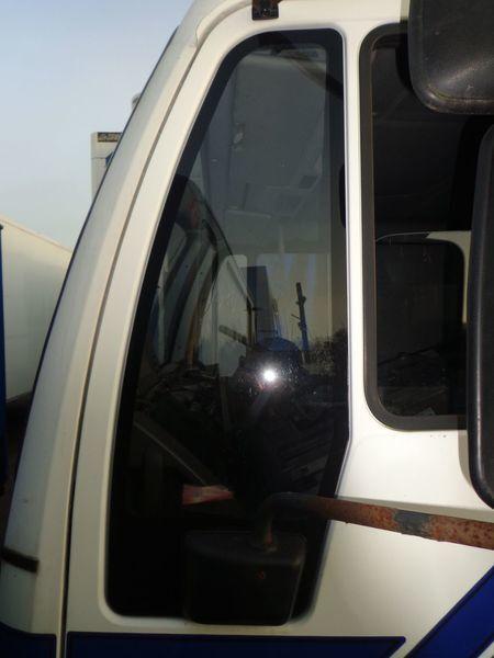 стекло MAN неподъемное для грузовика MAN 18