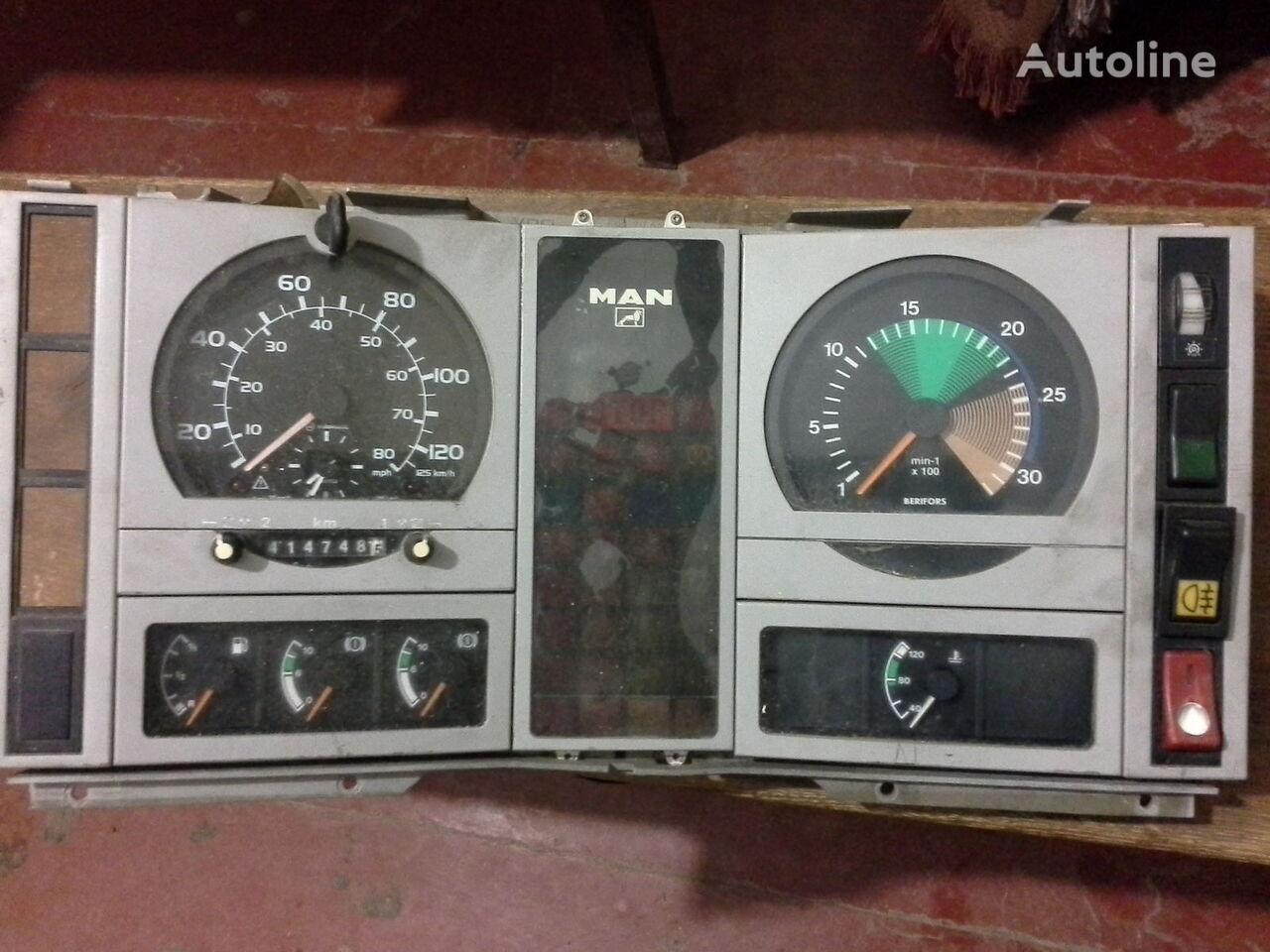 тахограф MAN Спідометр Тахометр оригінальні запчасті кабіни для грузовика MAN  L2000 По запчастям