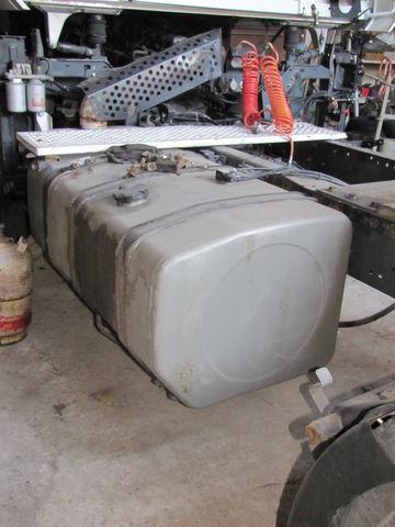 топливный бак RENAULT для тягача RENAULT MAGNUM