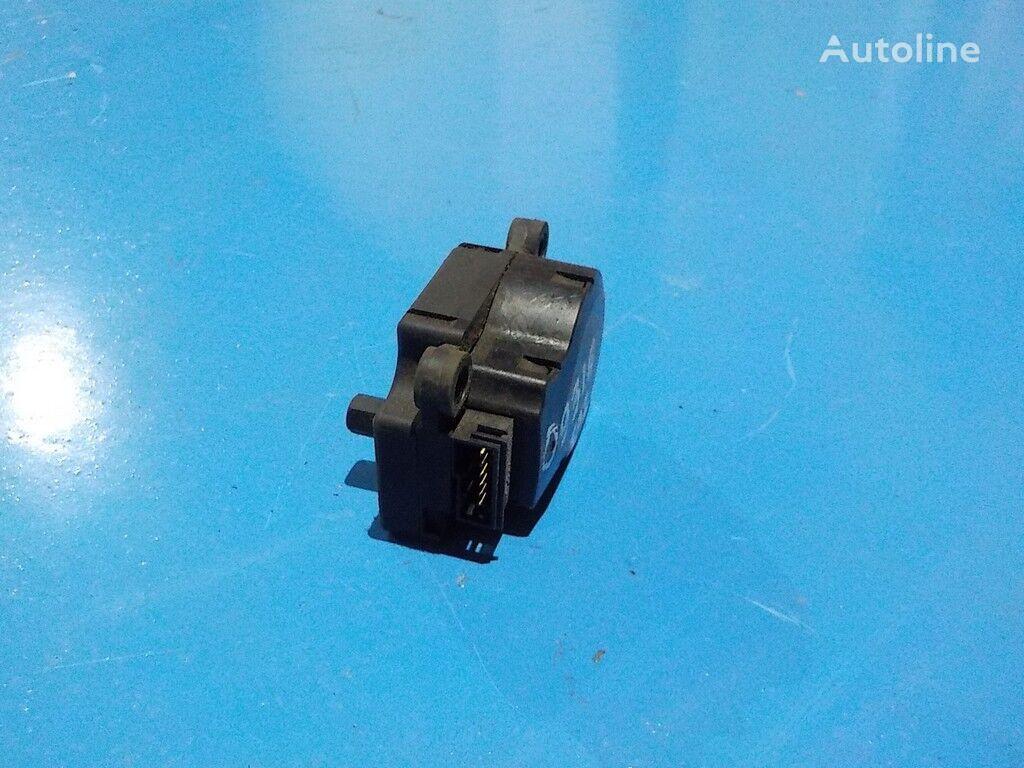 запчасти Моторчик привода заслонок отопителя MAN для грузовика